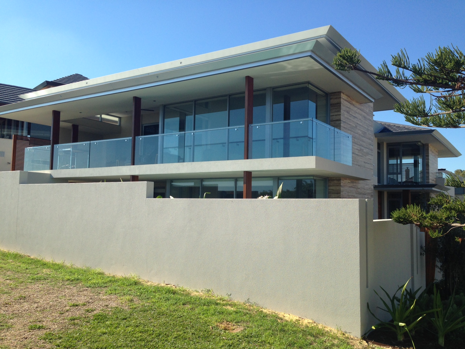 City Beach Luxury Home – Stainless Steel & Glass Protection