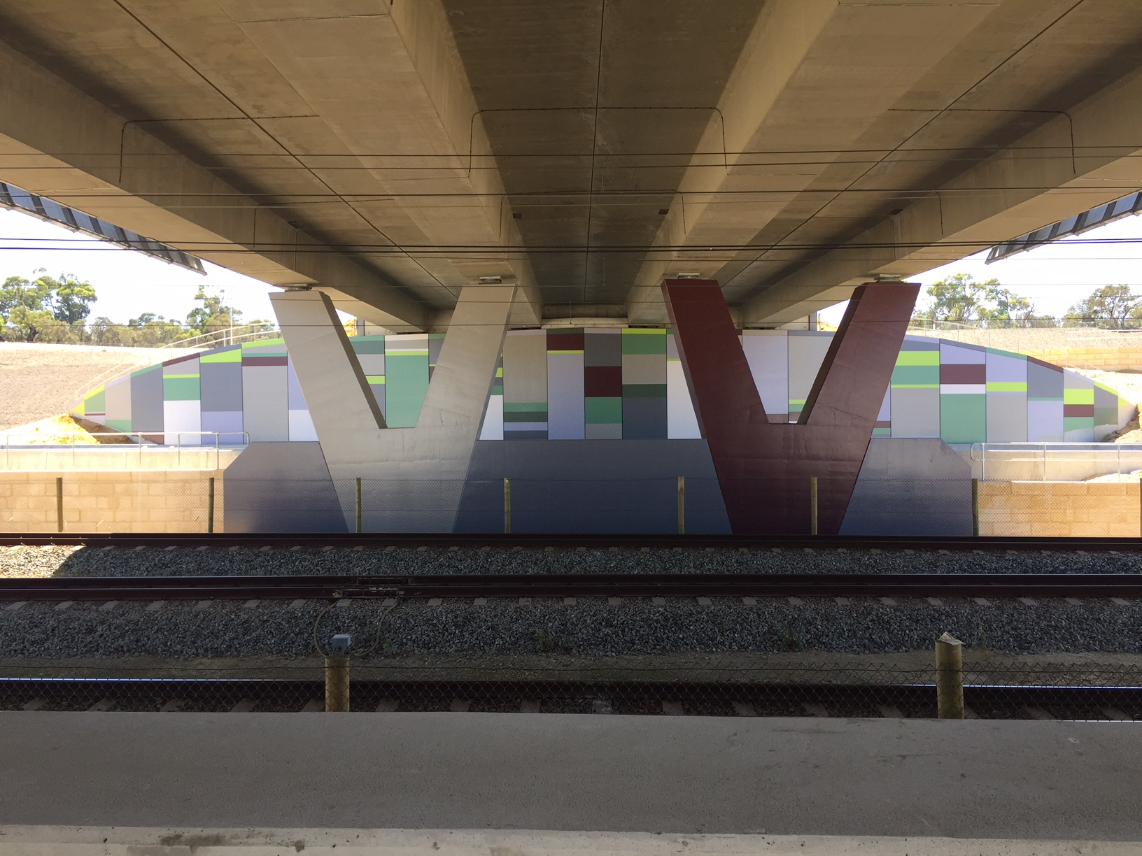 Mitchell Freeway Extension – Anti Graffiti Painting